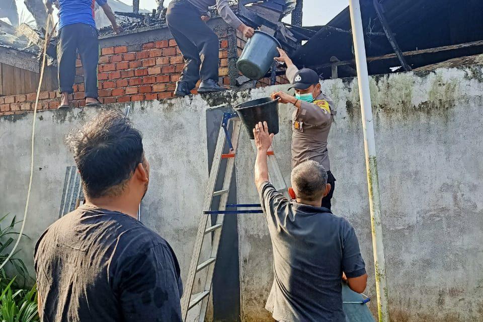 Satu Unit Rumah Hangus Terbakar, Akibat Konsleting Listrik