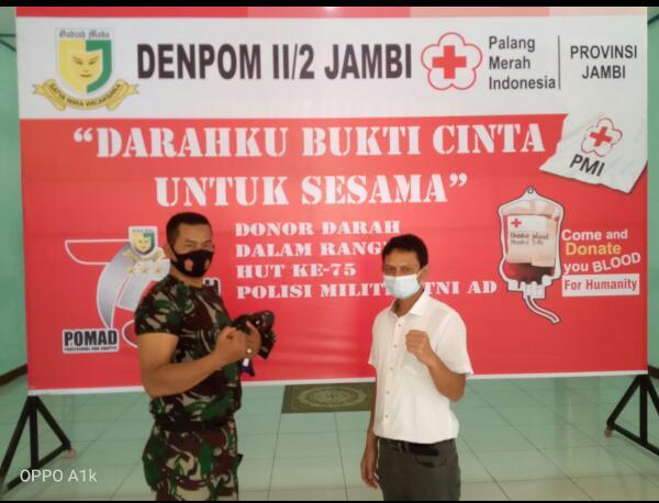 Dansubdenpom II/2-2Tanjab Melakukan Donor Darah, dalam Rangka HUT Polisi Militer TNI -AD