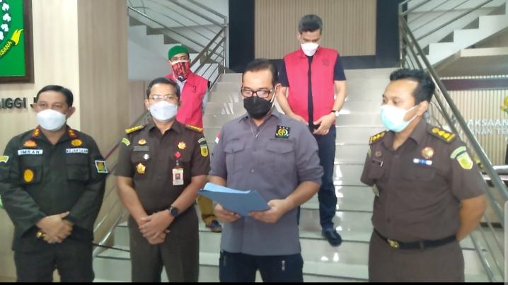 Team Tangkap Buronan (Tabur) Kejaksaan Tinggi Jambi Kembali Amankan 2 DPO