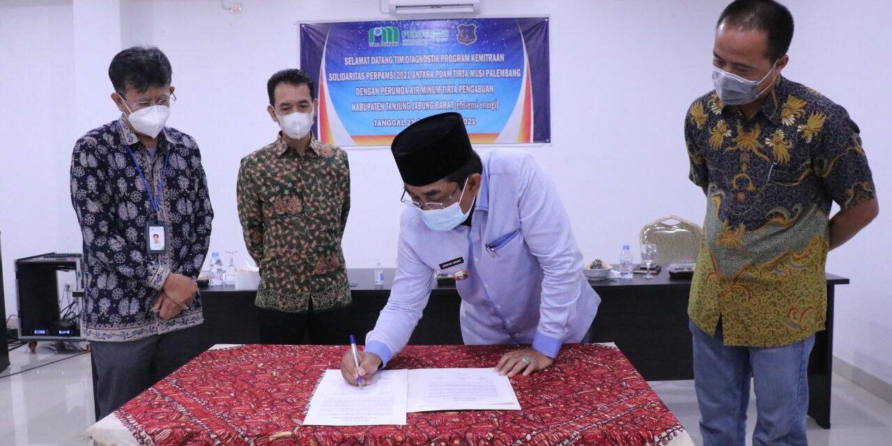 Bupati Tanjab Barat Buka Acara Kunjungan PDAM Tirta Musi Palembang