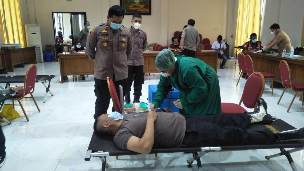 Polres Tanjab barat gelar Bakti Kesehatan Donor Darah dalam rangka Hari Bhayangkara ke-75