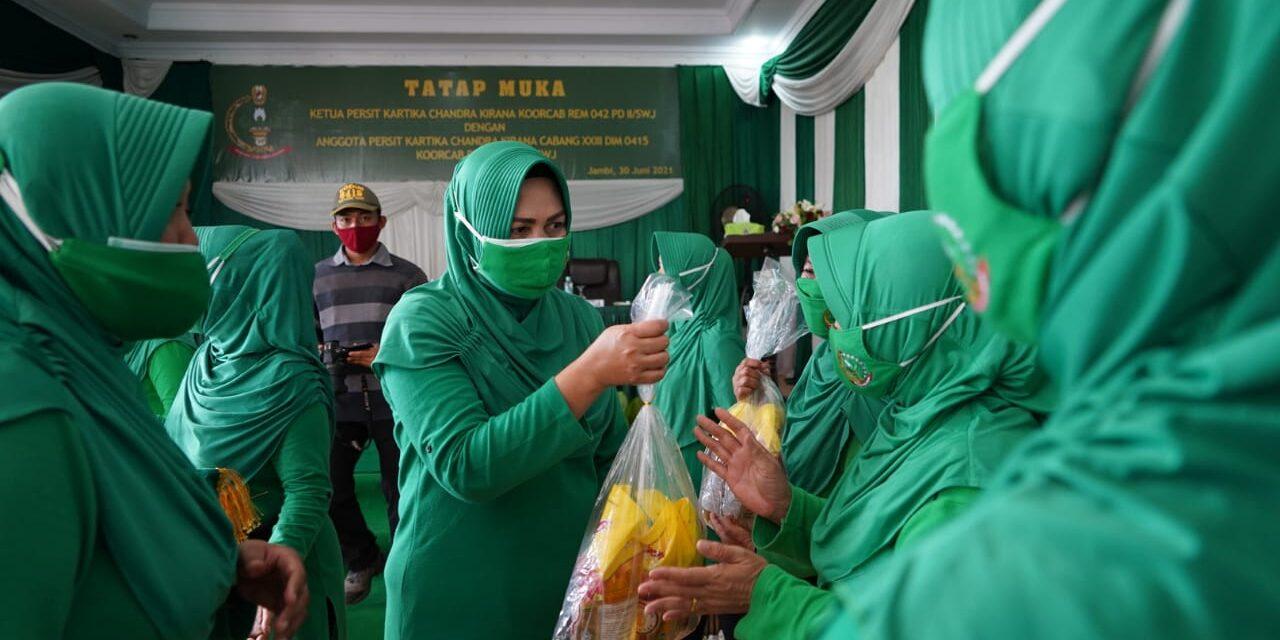 Ketua Persit KCK Rem 042 PD II/Swj Kunjungi Kodim 0415/Jambi Dalam Rangka Tatap Muka Dengan Anggota Persit KCK Cabang XXIII Kodim 0415/Jambi