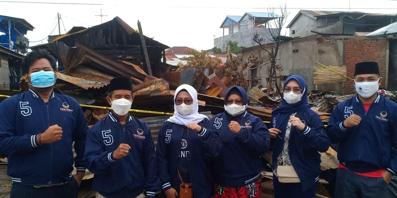 Partai NasDem Tanjabbar Membagikan Sembako Kepada Korban Kebakaran, di Kelurahan Tungkal Harapan