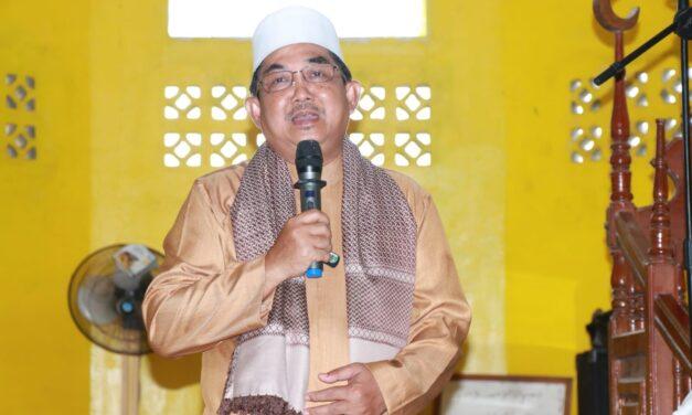 Bupati Tanjab Barat Laksanakan Kegiatan Safari Jumat Berkah di Masjid Sabilal Muhtadin