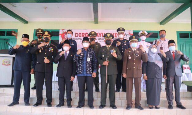 Bupati Tanjab Barat Ikuti Upacara HUT TNI Ke 76 Tahun Secara Virtual