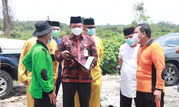 Wabup Tanjab Barat Tinjau Langsung TPA Yang Berada Di Desa Lubuk Terentang